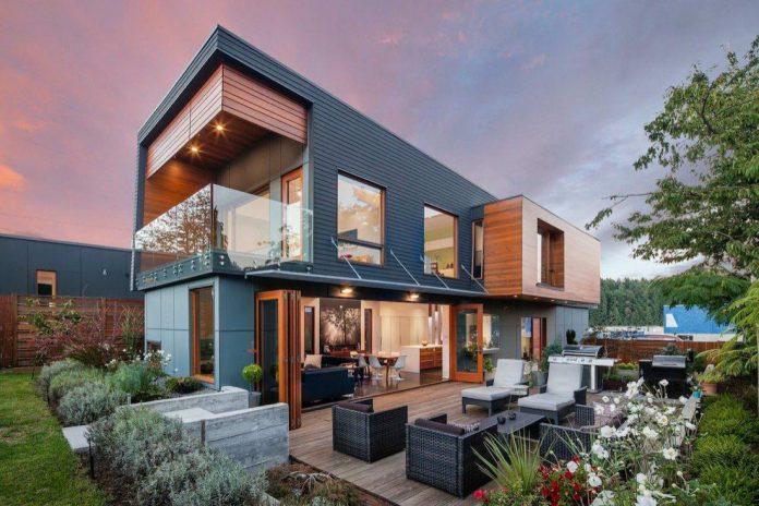 Double-High-House